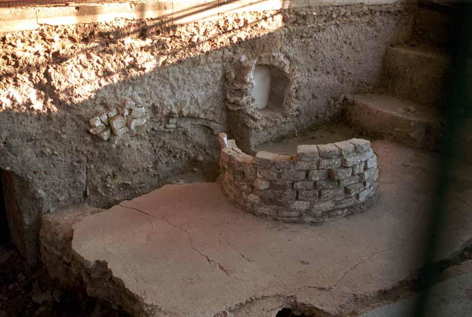 мэр Арля препятствует изучению раннехристианского собора