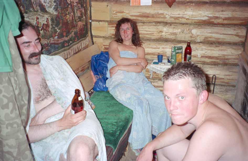 Я голая в бане с друзьями таких